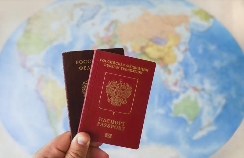 Зачем брать внутренний паспорт за границу
