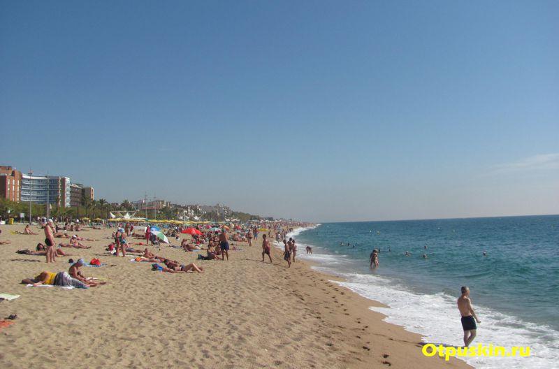 Чистота моря в Испании, пляж Калелла, Коста-дель-Маресме