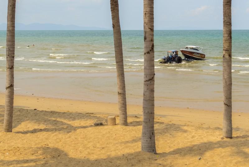 Насколько грязное море в Паттайе Джомтьен