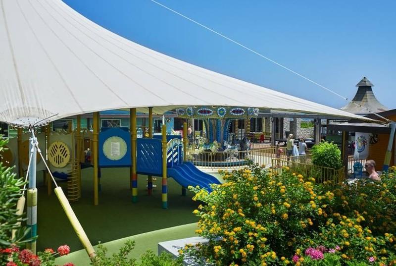 Детская площадка в отелей Esperides family в Греции на острове Родос