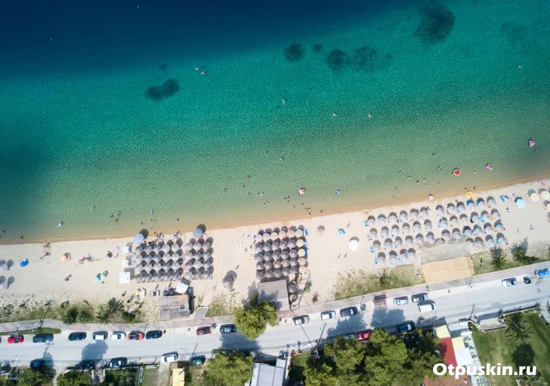 Хороший пляж для отдыха с детьми в Греции на полуострове Халкидки Ситония