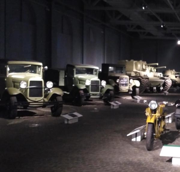 Корпус парадный расчет музей военной техники УГМК Козицын