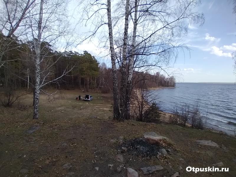 Место для отдыха с палатками на оз. Увильды