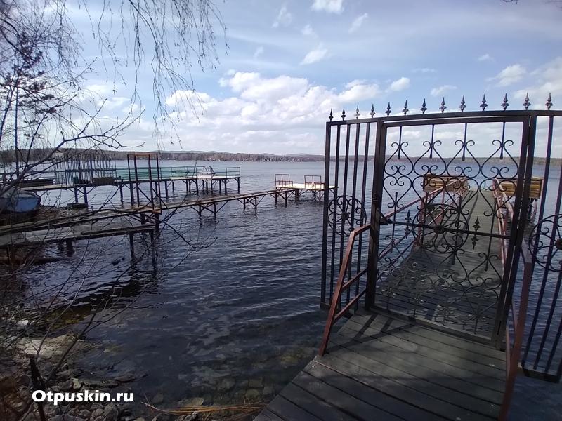 Двери на пирс - Красный камень - озеро Увильды
