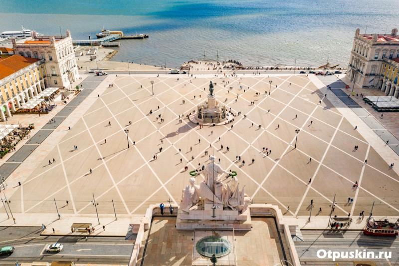 Дворцовая площадь Лиссабон