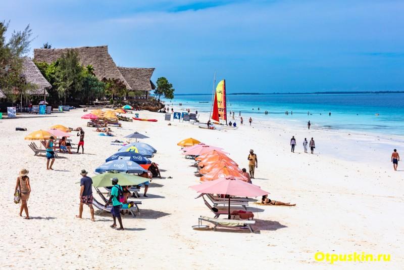 Пляж Нунгви в Танзании на острове Занзибар